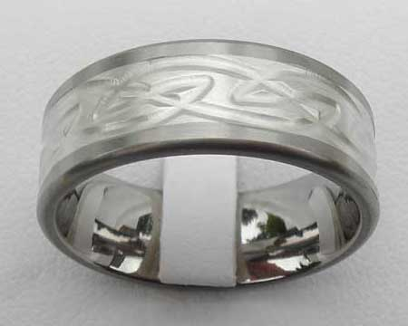 Inlaid Celtic Knot Wedding Ring