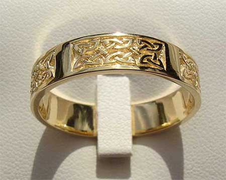 Whalsay Gold Celtic Wedding Ring