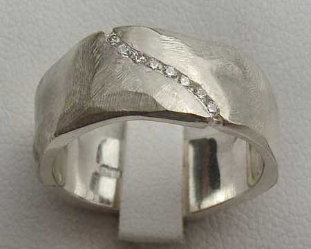 Womens Chunky Diamond Wedding Ring